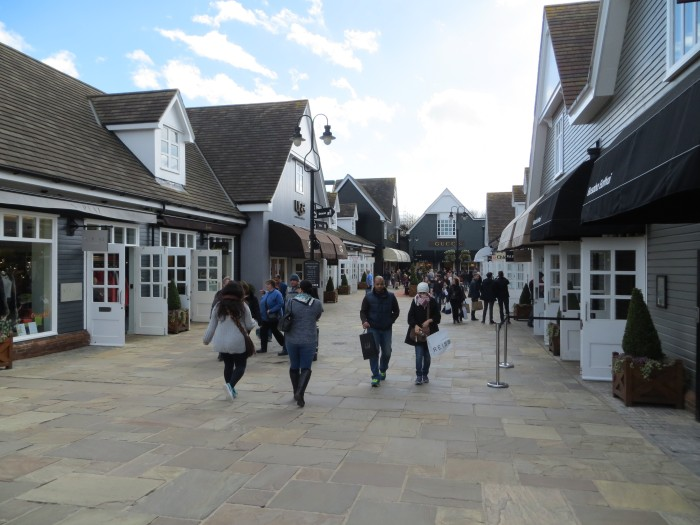 bicester-villge-outlet-shopping1
